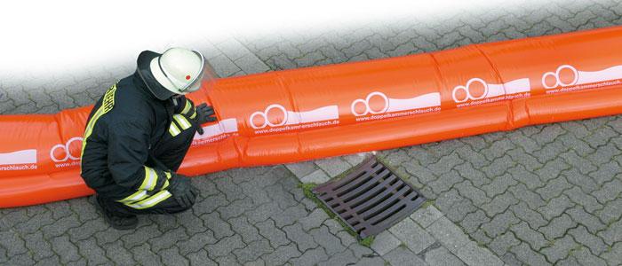 Mobile Löschwasserrückhaltung mit dem Doppelkammerschlauch